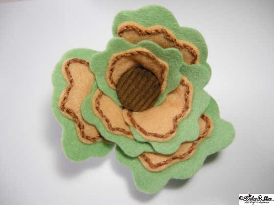 Sage & Onion is embroidered felt brooch No.25 in the '27 Before 27' blog challenge at www.elistonbutton.com - Eliston Button - That Crafty Kid